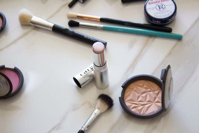 THE (adult) BEGINNERS GUIDE TO MAKEUP 37