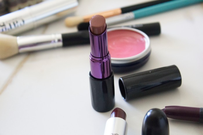 THE (adult) BEGINNERS GUIDE TO MAKEUP 42